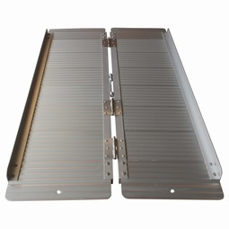 Collapsable access ramp in aluminium, available in four lengths