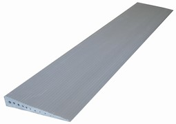 Threshold ramp in aluminium. Can be situated or movable.