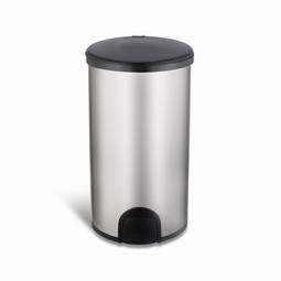 Fodbetjent sensorstyret affaldsbeholder